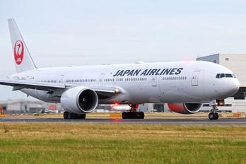 JA743J - JAL - Japan Airlines Boeing 777-300ER