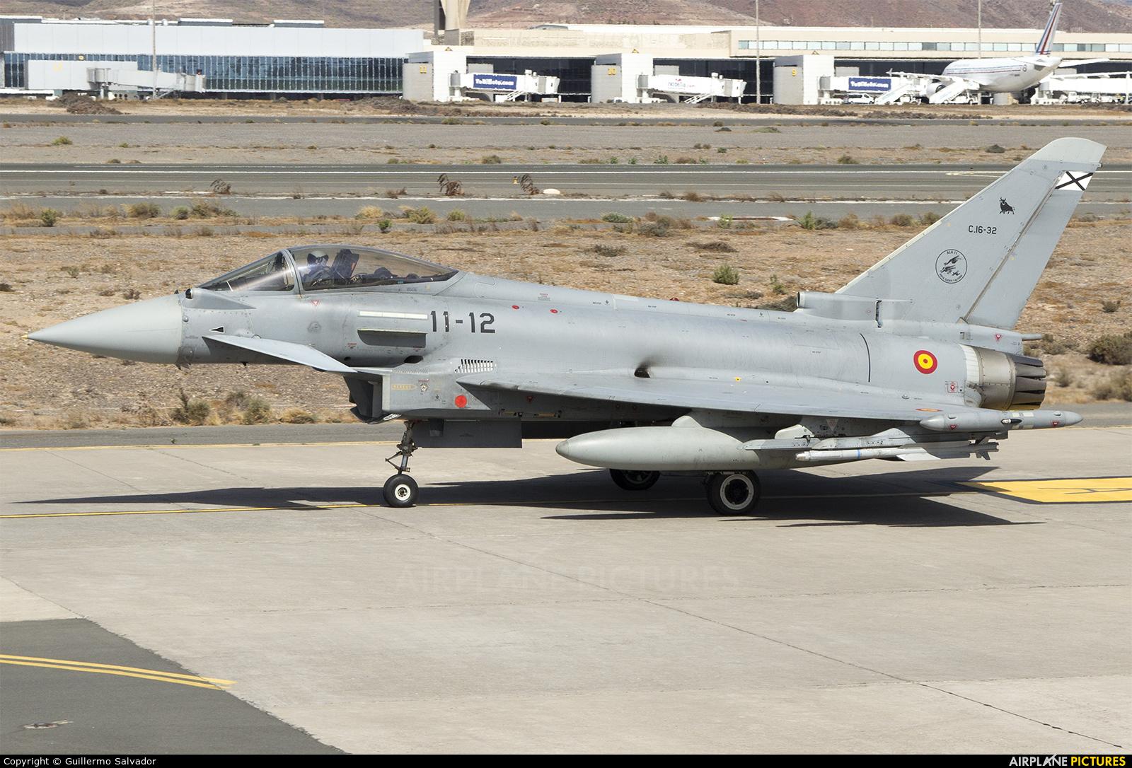 Spain - Air Force C.16-32 aircraft at Las Palmas de Gran Canaria