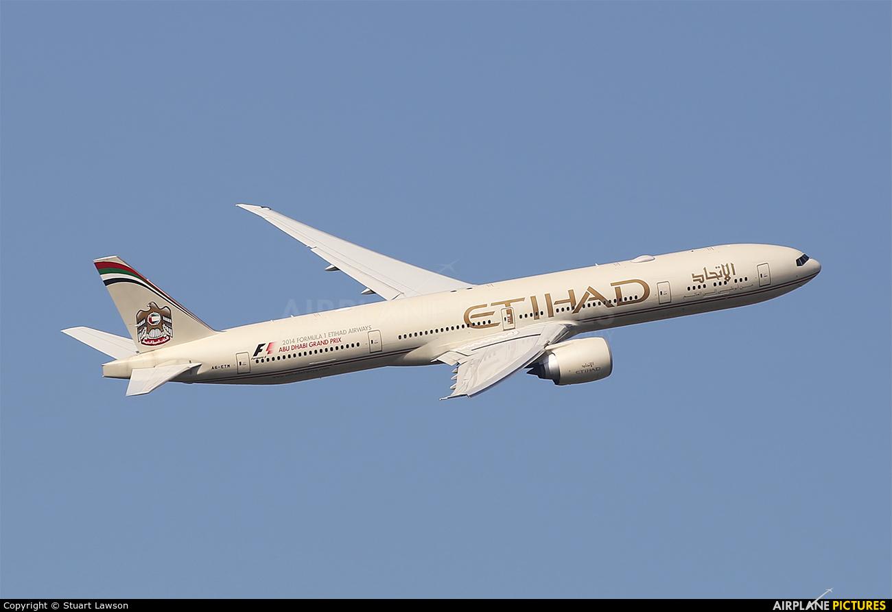 Etihad Airways A6-ETM aircraft at London - Heathrow