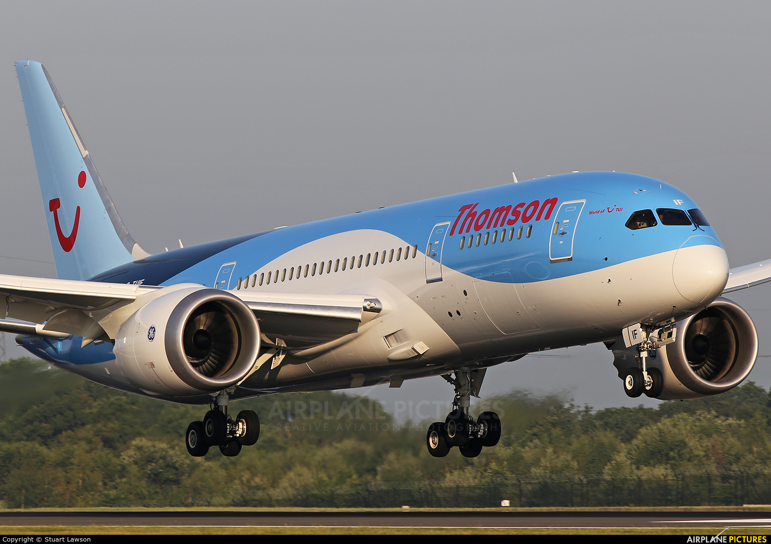 Thomson/Thomsonfly G-TUIF aircraft at Manchester