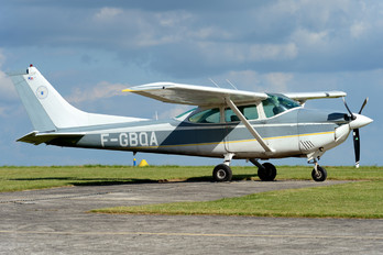 F-GBQA - Private Cessna 182 Skylane (all models except RG)