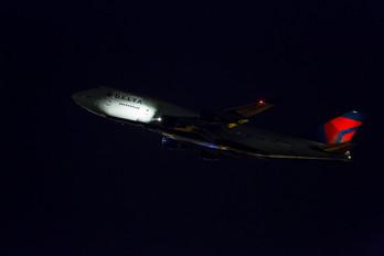 N669US - Delta Air Lines Boeing 747-400