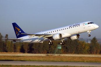 P4-KCI - Air Astana Embraer ERJ-190 (190-100)