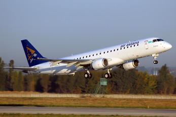 P4-KCI - Air Astana Embraer ERJ-190 (190-100)