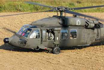 83-23875 - USA - Army Sikorsky UH-60A Black Hawk