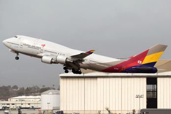 HL7418 - Asiana Airlines Boeing 747-400