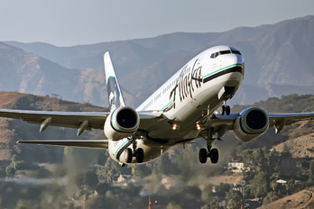 N516AS - Alaska Airlines Boeing 737-800