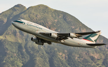 B-HUG - Cathay Pacific Boeing 747-400