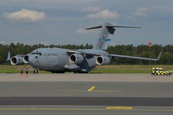 03-3114 - USA - Air Force Boeing C-17A Globemaster III