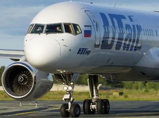 VP-BLV - UTair Boeing 757-200