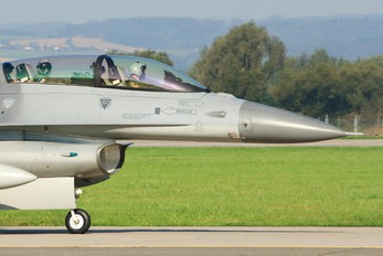 ET-022 - Denmark - Air Force General Dynamics F-16B Fighting Falcon