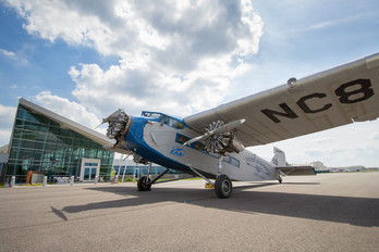 NC8407 - Experimental Aircraft Association Ford 4-AT-E Trimotor