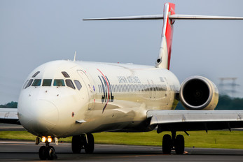JA8020 - JAL - Japan Airlines McDonnell Douglas MD-90