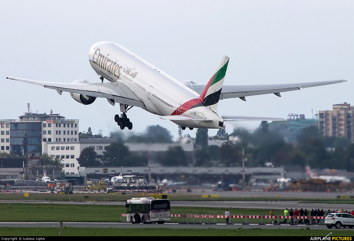 Emirates Airlines A6-EME aircraft at Warsaw - Frederic Chopin