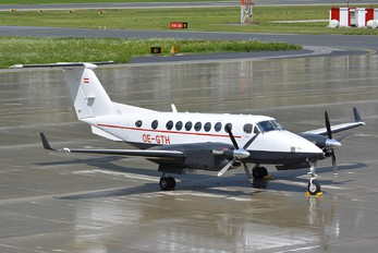 OE-GTH - Air Independence Beechcraft 300 King Air 350