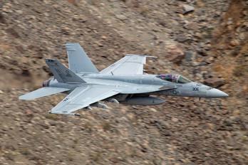 166956 - USA - Navy Boeing F/A-18E Super Hornet