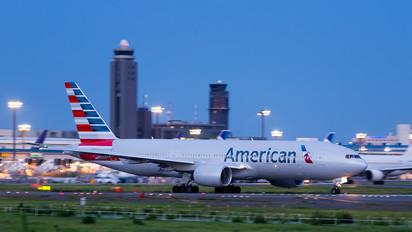 N780AN - American Airlines Boeing 777-200ER