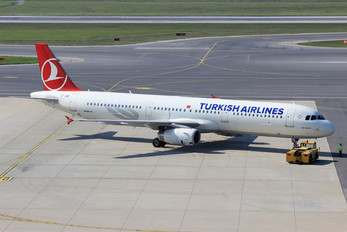 TC-JSD - Turkish Airlines Airbus A321