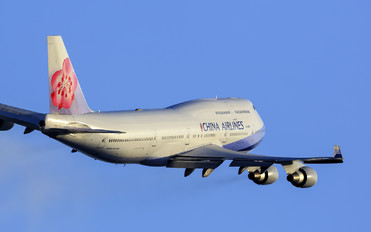B-18201 - China Airlines Boeing 747-400