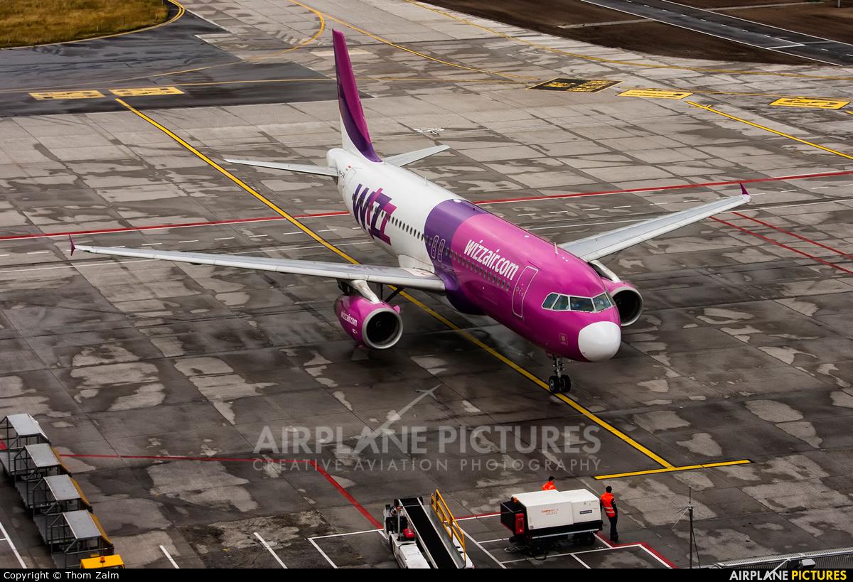 Wizz Air HA-LPN aircraft at Eindhoven
