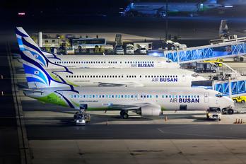 HL7513 - Air Busan Boeing 737-400