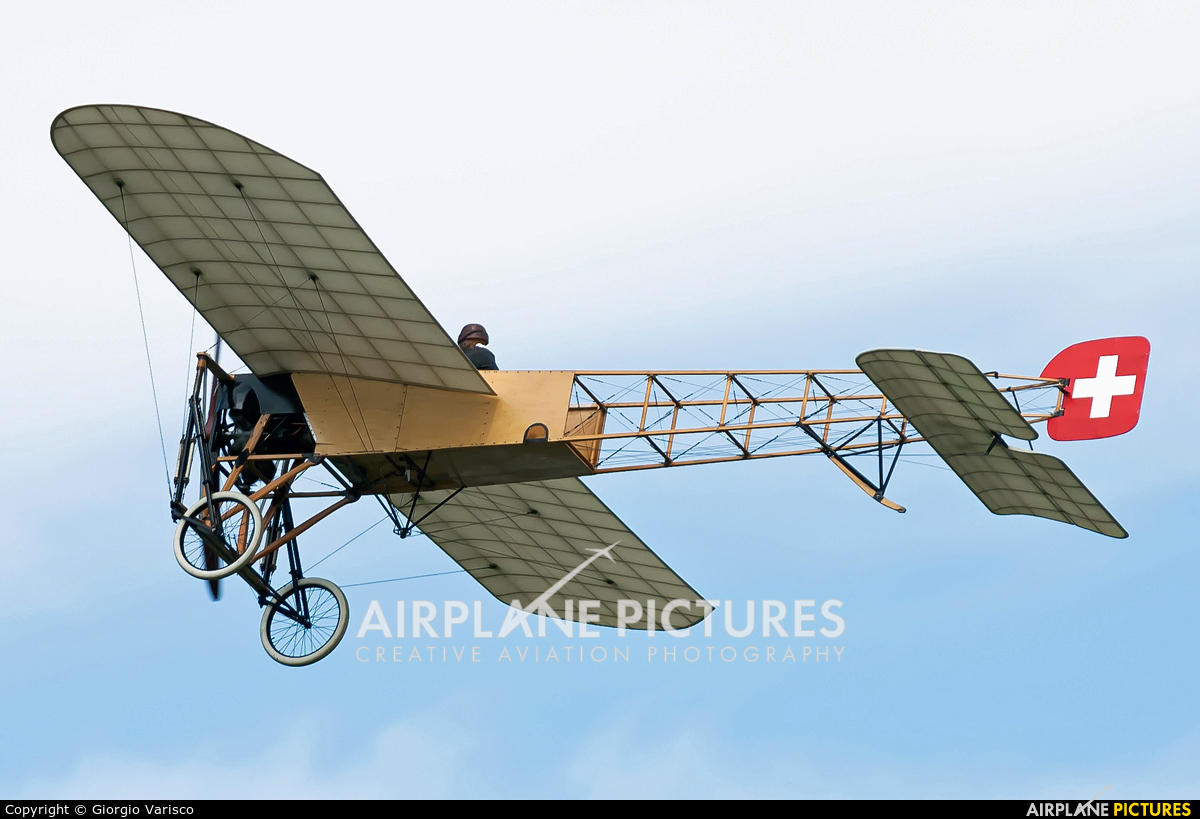 Private SE-AMZ aircraft at Payerne