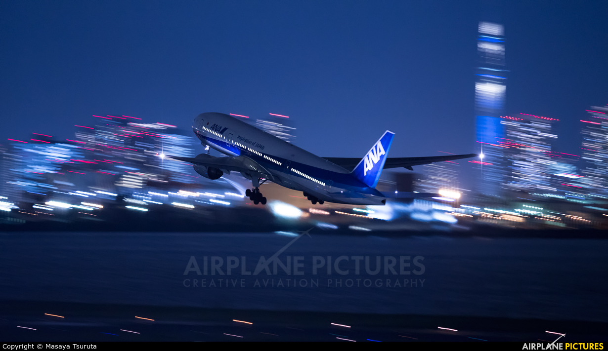 ANA - All Nippon Airways JA8968 aircraft at Tokyo - Haneda Intl