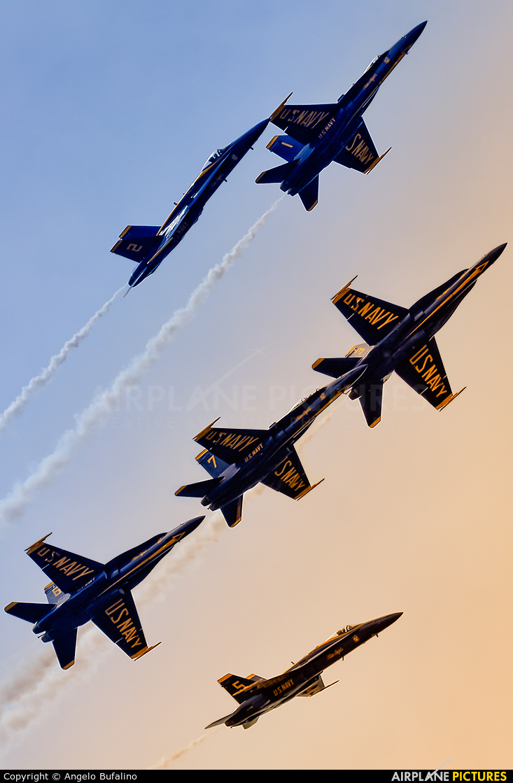 USA - Navy : Blue Angels 163442 aircraft at Cleveland - Burke Lakefront