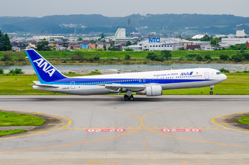 JA8569 - ANA - All Nippon Airways Boeing 767-300