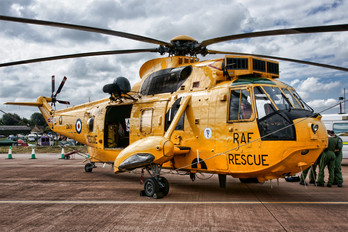 ZA105 - Royal Air Force Westland Sea King HAR.3