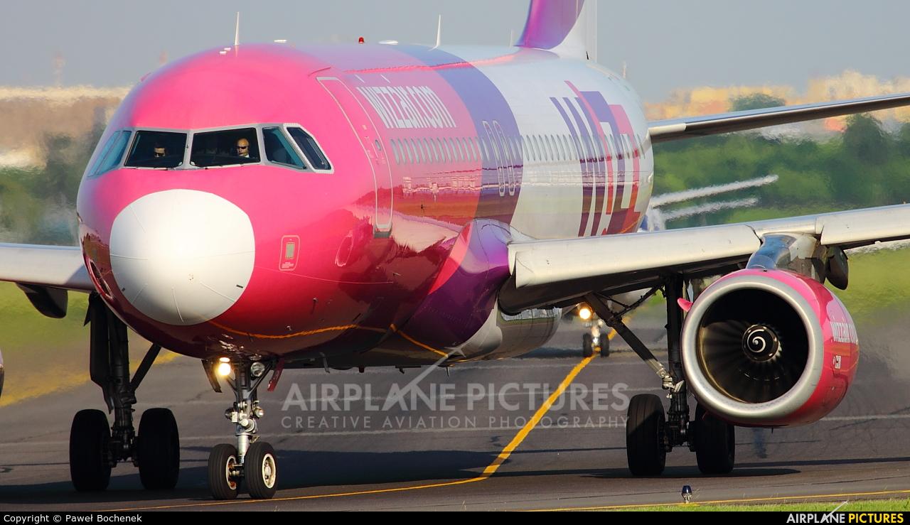 Wizz Air HA-LPN aircraft at Warsaw - Frederic Chopin