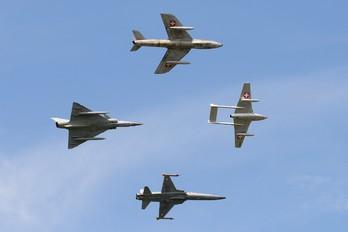 HB-RVW - Switzerland - Air Force Hawker Hunter F.58