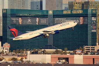 N125DL - Delta Air Lines Boeing 767-300
