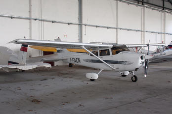 I-FACN - Private Cessna 172 Skyhawk (all models except RG)