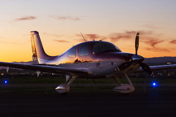 N117G - Private Cirrus SR22