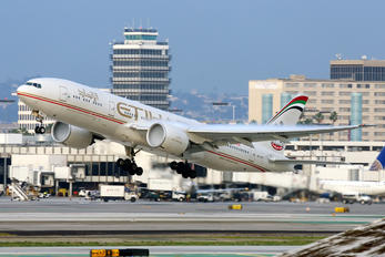 A6-LRD - Etihad Airways Boeing 777-200LR