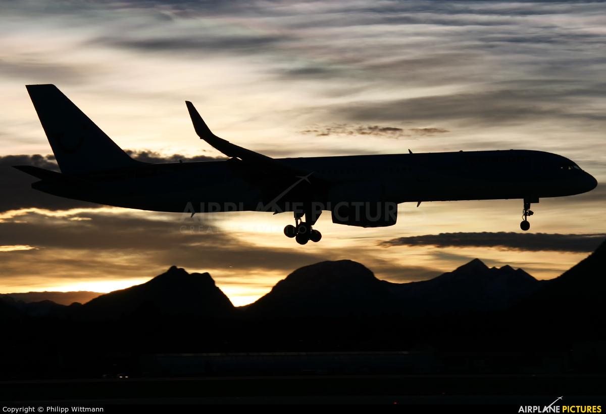 Thomson/Thomsonfly G-OOBA aircraft at Salzburg