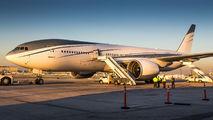 Unusual VIP 777 visit to LAX title=