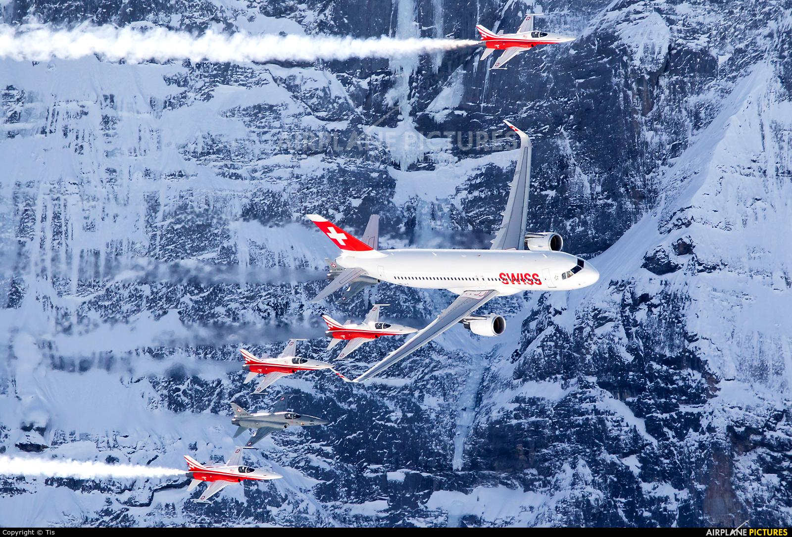 Swiss HB-JLT aircraft at Lauberhorn