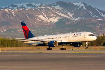 N652DL - Delta Air Lines Boeing 757-200