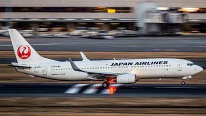 JA329J - JAL - Japan Airlines Boeing 737-800