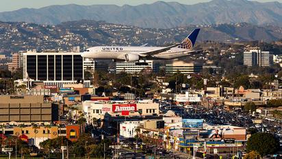 N45905 - United Airlines Boeing 787-8 Dreamliner