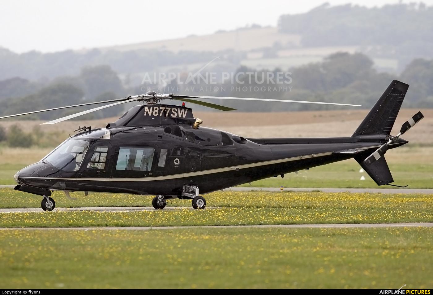 Private N877SW aircraft at Brighton - Shoreham