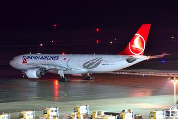 TC-JIP - Turkish Airlines Airbus A330-200
