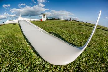 D-1499 - Private Glasflugel 304C