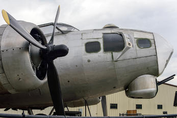 N3713G - Private Boeing B-17G Flying Fortress