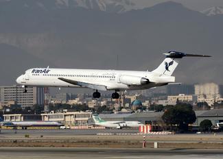 UR-CHX - Iran Air McDonnell Douglas MD-82