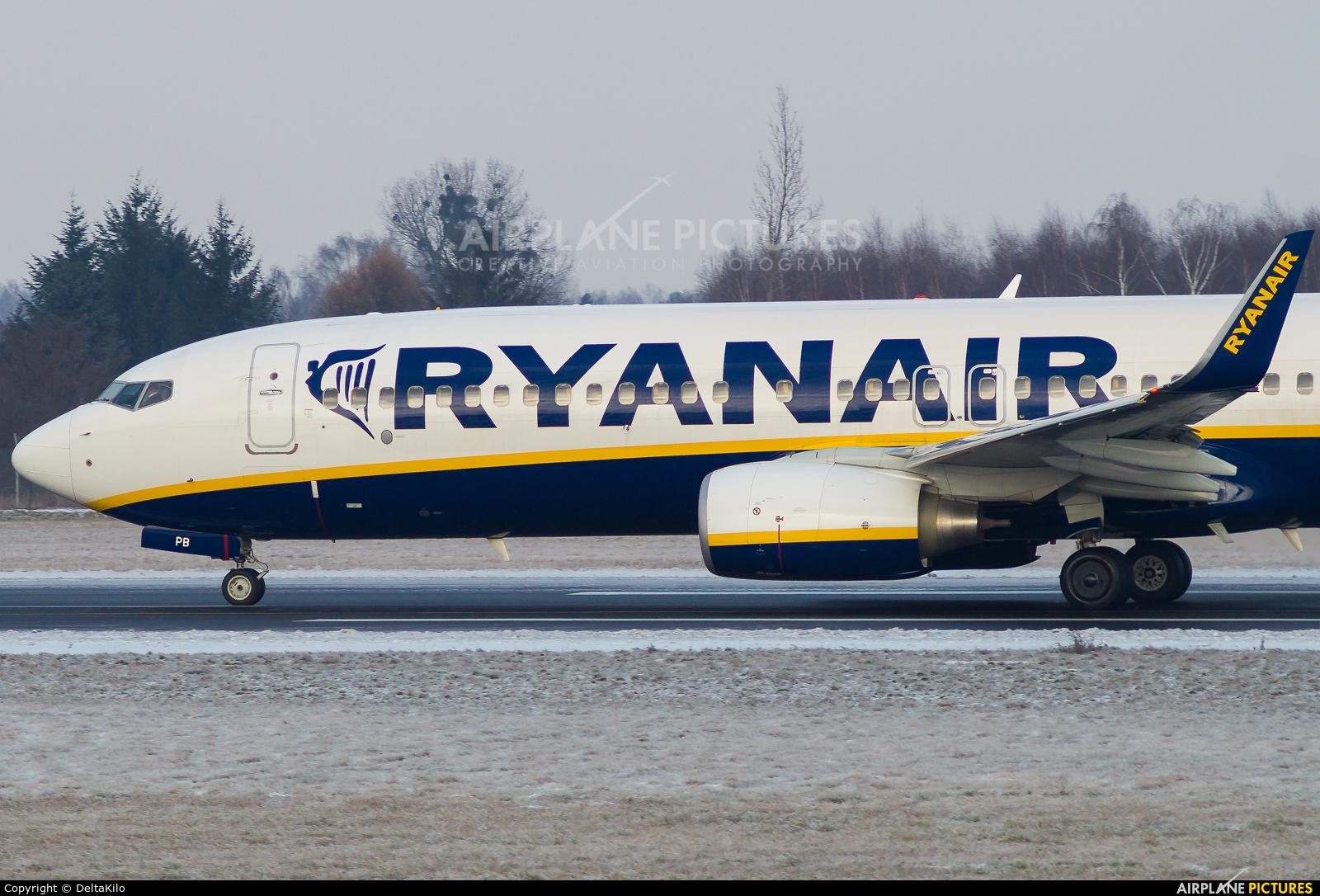 Ryanair EI-DPB aircraft at Poznań - Ławica
