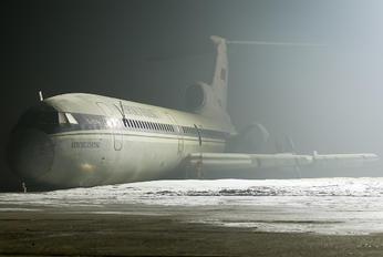 RA-85392 - Aerokuzbass Tupolev Tu-154B-2