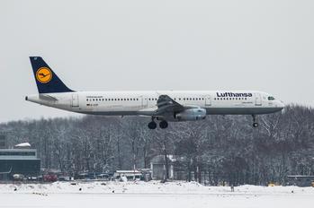 D-AIDF - Lufthansa Airbus A321